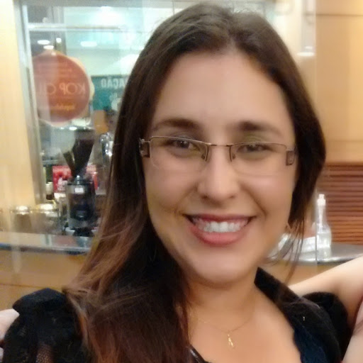 Who is Marina Siqueira?