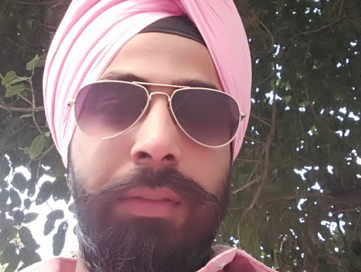 Who is Ravneet Singh?