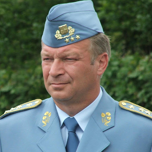 Who is Gen Vlastimil Picek?