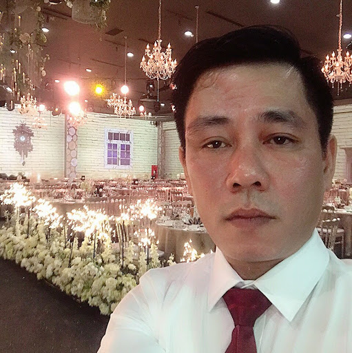 Who is Mr Linh Tran (PARAGON CRUISE)?