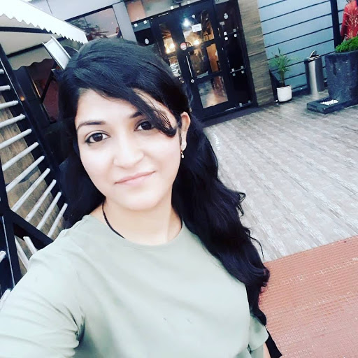 Shruti Garg about, contact, instagram, photos