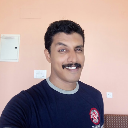 Who is SEO Analyst bangalore (Tinil Joseph)?
