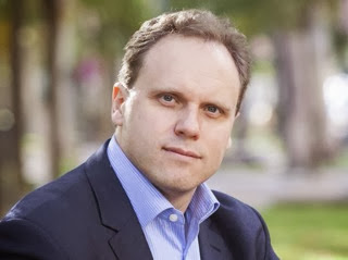 Who is Daniel Lacalle?