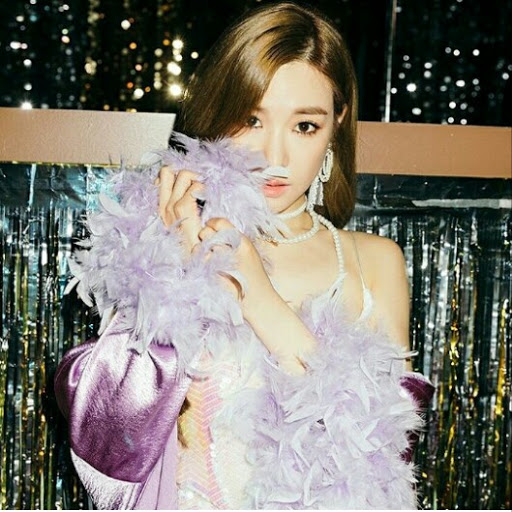 Hwang Tiffany instagram, phone, email