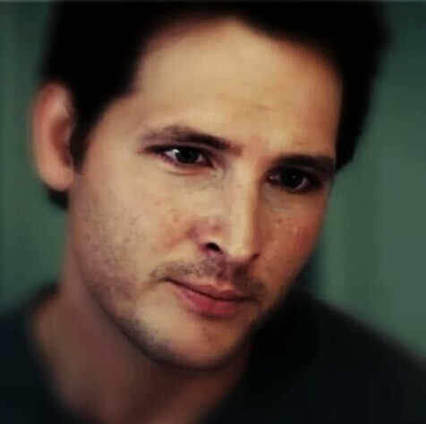Who is Peter Facinelli?