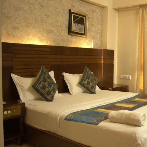 Who is Hotel Sai Sangeet Comfort Inn Shirdi?