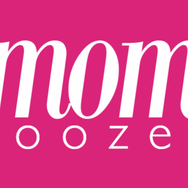 Who is momooze.com?