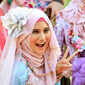 Who is Jilbab Model?