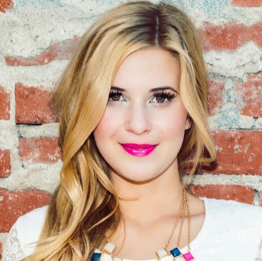 Caroline Sunshine photo, image