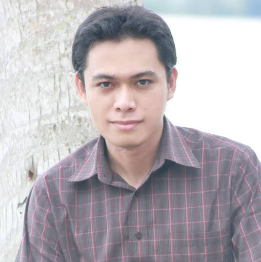 Who is Rizki Biotek?