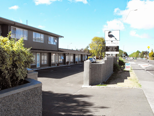Who is The Magpie-Hawkes Bay Motel?