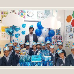 Who is ‫مؤسسه بوستان قرآن و عترت طاها‬�?
